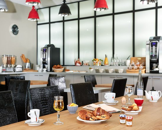 Meyzieu, Frankrig: Breakfast