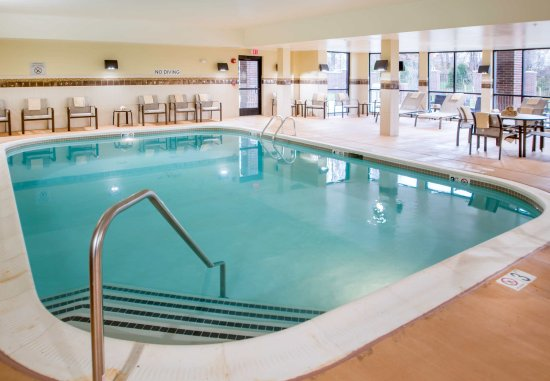 Largo, MD: Indoor Pool
