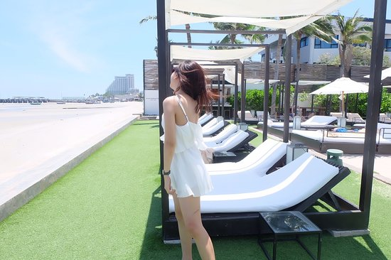 Oceanside Beach Club & Restaurant: 1489823346140_large.jpg