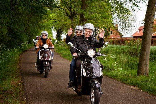 Turnhout, Belgia: Puur plezier met een vleugje actie: Vespa rijden, de ideale uitstap!