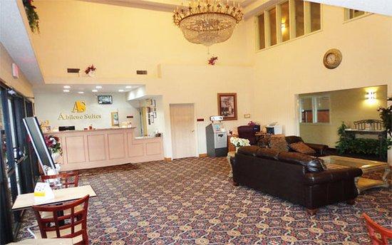 Americas Best Value Inn & Suites-Abilene Mall : Lobby