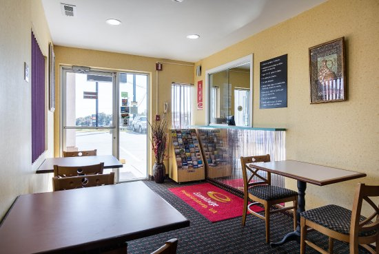 Econo Lodge South: Lobby