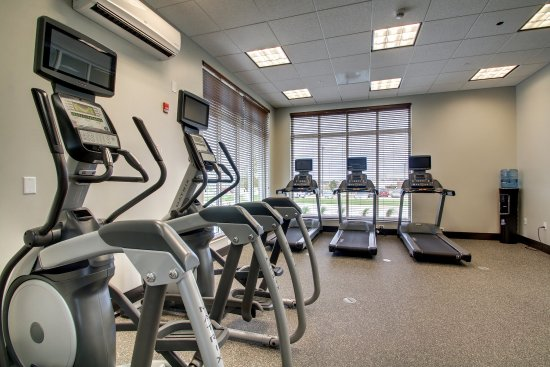 Peoria, IL: Each cardio machine features an individual TV screen.