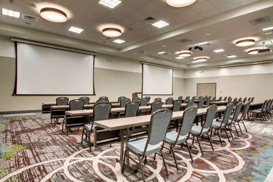 Peoria, IL: Premiere audiovisual equipment for all of your meeting needs.