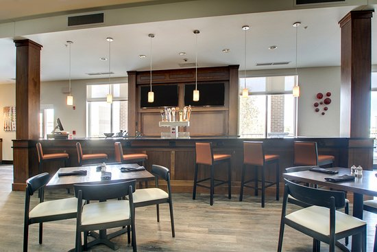 Peoria, IL: Spacious bar area, social seating, outdoor patio and multiple TVs