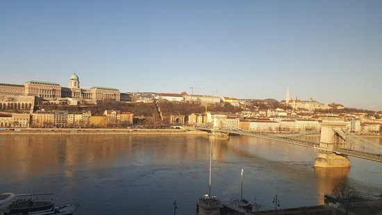 Sofitel Budapest Chain Bridge: Day view from the room