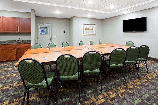 Americ Inn Sibley Meeting Room