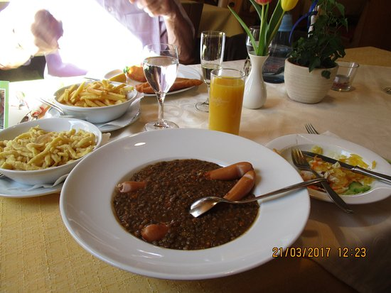 Gomadingen, Duitsland: Very authentic, tasty and generous portions of traditional food.