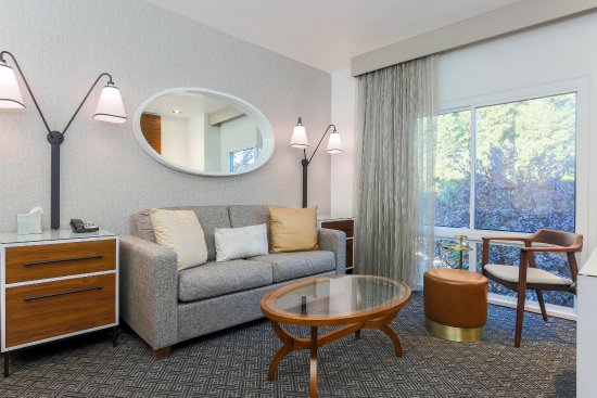 Rancho Cordova, Калифорния: Suite living room