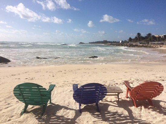 Zamas: The hotel beach