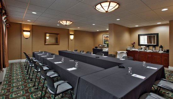 Rockville, MD: Ushape Set With Buffet