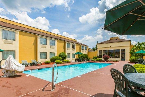 Canton, NC: Pool