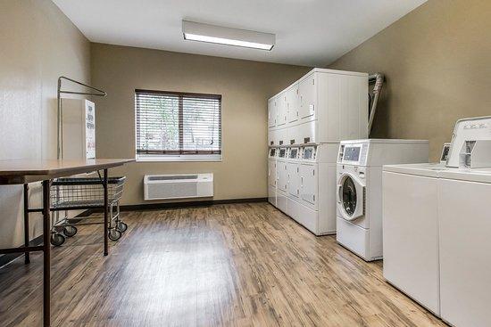 Washington, PA: Guest Laundry Services