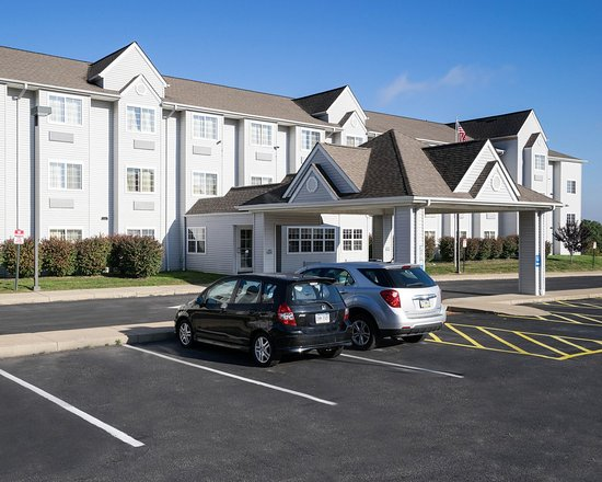 Microtel Inn & Suites by Wyndham Pittsburgh: Exterior