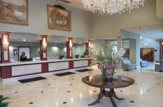 Clayton, MO: lobby