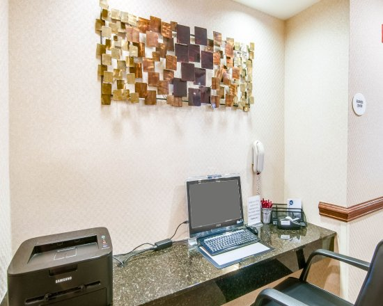 Blacksburg, VA: Stay Connected In Our Business Center