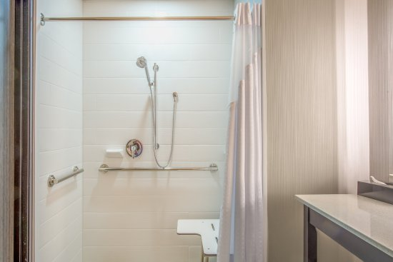 Shawnee, KS: Accessible Roll In Shower