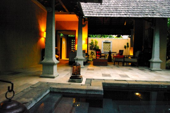 Maradiva Villas Resort and Spa: the open lounge and pool at our villa