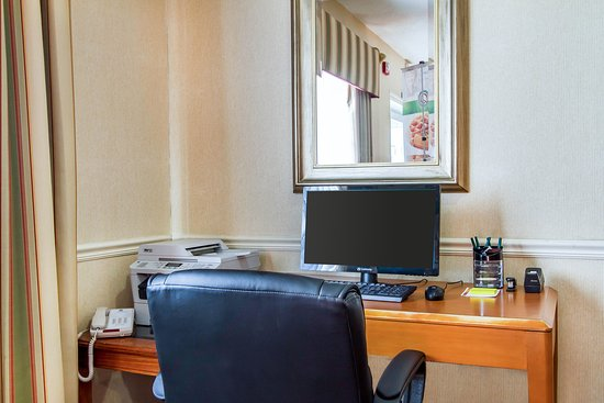 Quality Inn & Suites Keokuk North: Business center