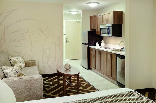 Vegreville, Canada: King Suite with Kitchen
