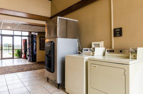 Winfield, KS: Laundry