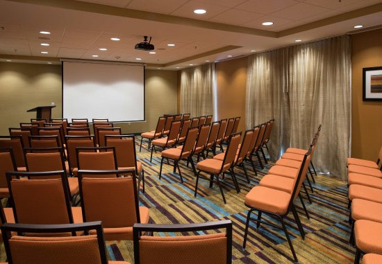 Houma, LA: Meeting Room - Theater Setup