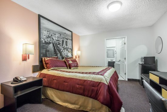 Brookhaven, MS: Guest room