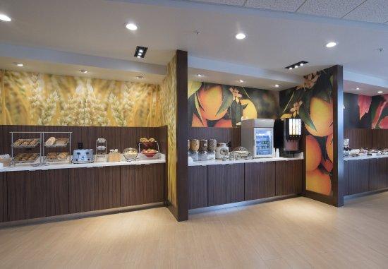 Scottsbluff, NE: Breakfast Buffet