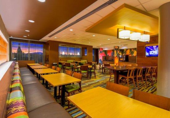 Orem, UT: Breakfast Dining Area