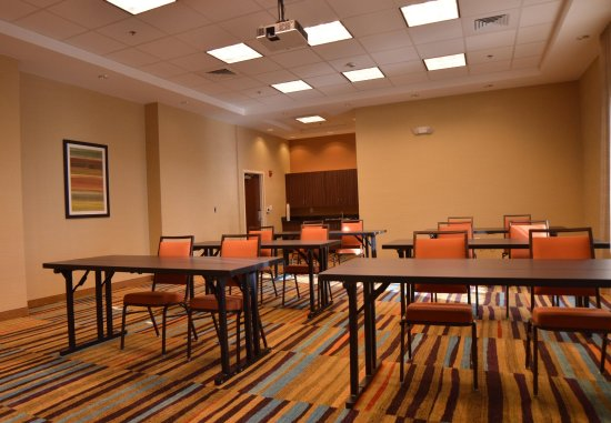 Dunn, Kuzey Carolina: Meeting Room - Classroom Setup