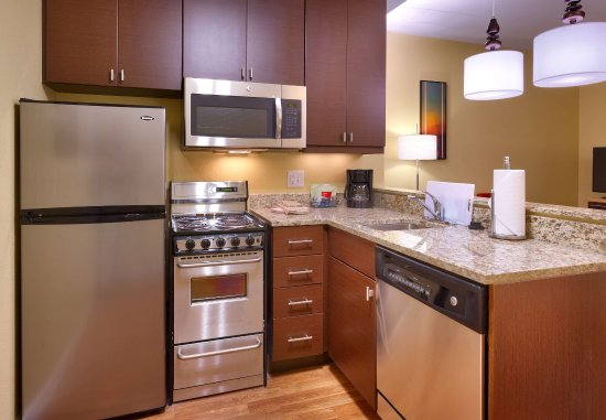 Dickinson, ND: Two-Bedroom Suite - Kitchen