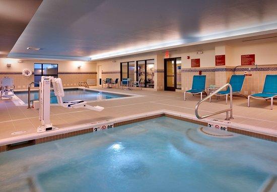 Ντίκινσον, Βόρεια Ντακότα: Indoor Whirlpool