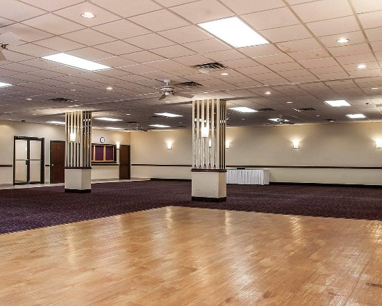 Waterford, MI: Ballroom