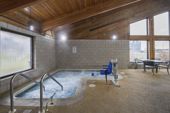 Harrington, DE: Hot tub