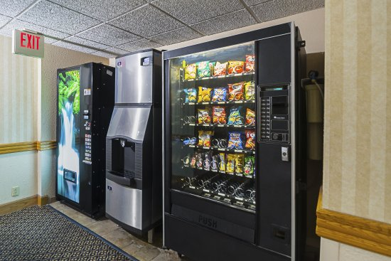 Harrington, DE: Vending area
