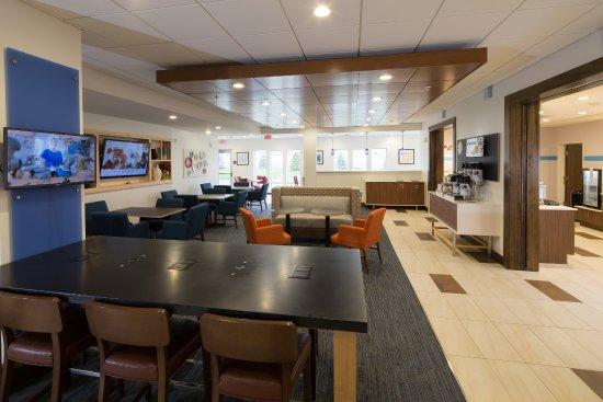 Alpena, MI: Lobby Lounge