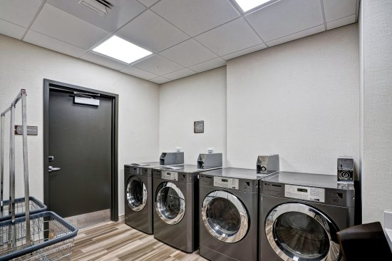 Brookline, MA: Laundry Facility