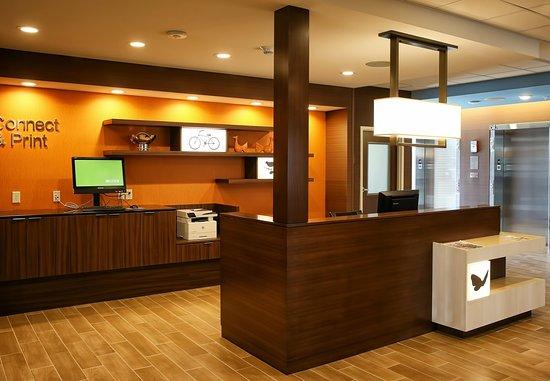 เวโรนา, วิสคอนซิน: Business Center