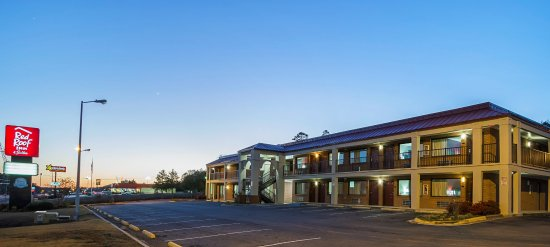 Scottsboro, AL: Exterior Twilight View