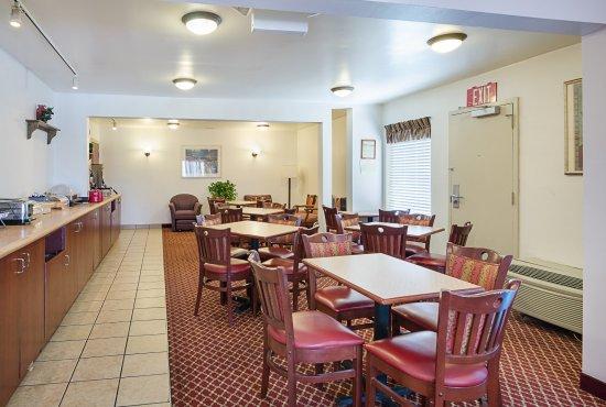 Johnson City, TN: Breakfast Seating
