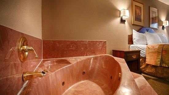 Fort Oglethorpe, GA: King Hot Tub Room