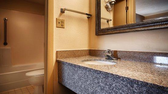 Fort Oglethorpe, GA: Guestroom Bathroom