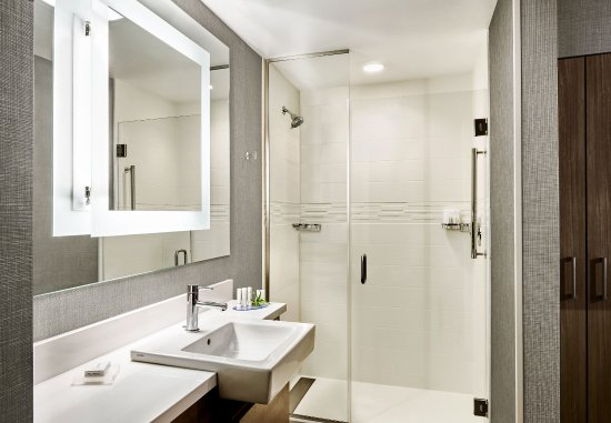 Somerset, NJ: Guest Bathroom