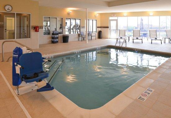 Saint Peters, มิสซูรี่: Pool