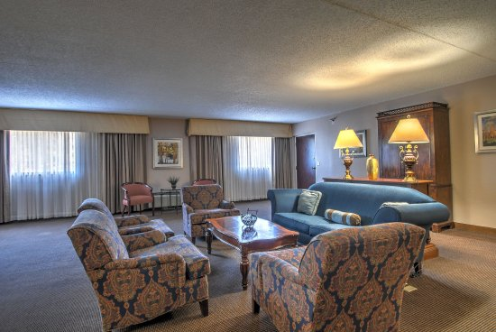 Cromwell, CT: Presidential Suite