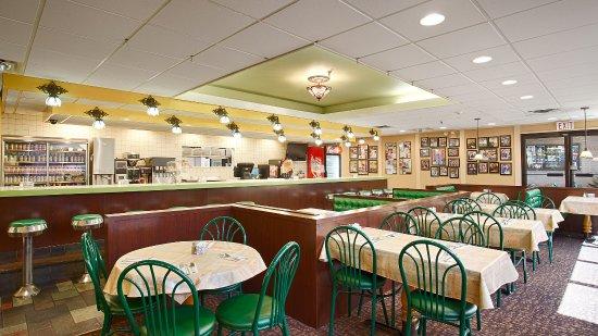 Nyack, NY: Complimentary Breakfast