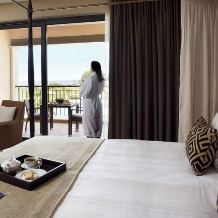 Cascade Wellness & Lifestyle Resort: Double Room
