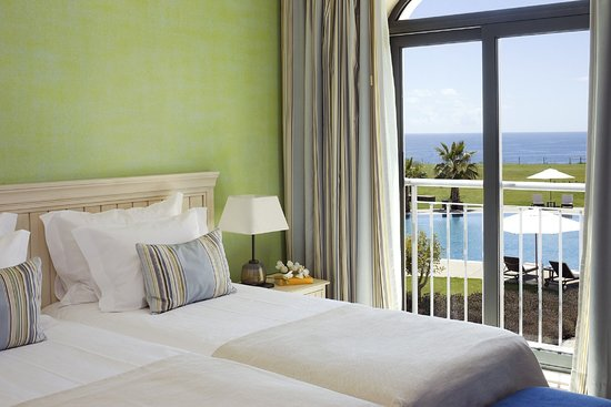 Cascade Wellness & Lifestyle Resort: Sea View Double Room