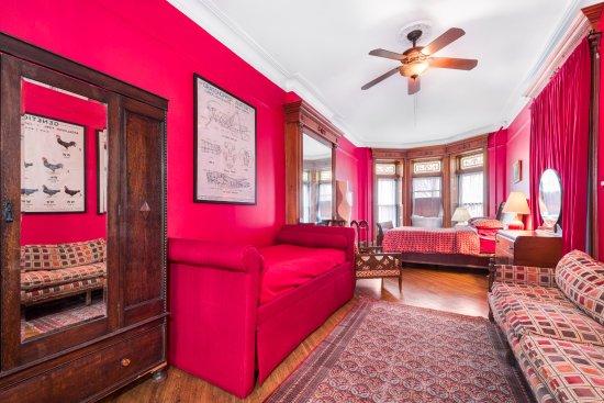 The Sofia Inn : The Parlor Suite