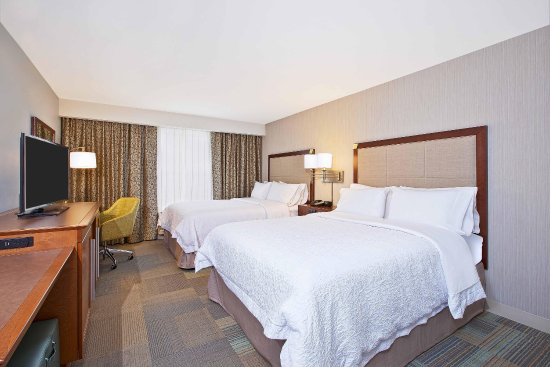 West Bloomfield, MI: 2 Queen Beds